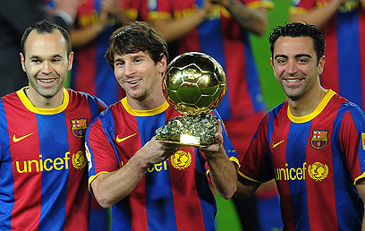 צ'אבי, מסי ואינייסטה. הופכים את פפ למאמן טוב יותר? (צילום: AFP) (צילום: AFP)