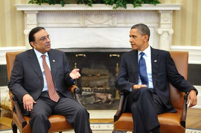 מערכת יחסים מתוחה עם וושינגטון. אובמה עם נשיא פקיסטן זרדרי (צילום: AFP) (צילום: AFP)