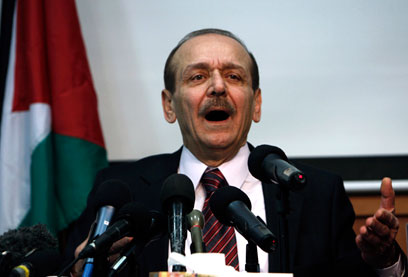 Abed Rabbo at a press conference in Ramallah (Photo: Reuters/Archive)