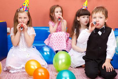 הזדמנות לסולחה: ילדים נפגעים מאוד אם אינם מוזמנים (צילום: shutterstock) (צילום: shutterstock)