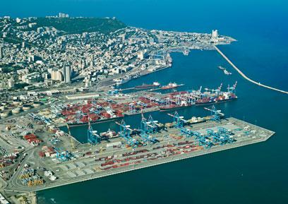 נמל חיפה. פינוי הבסיס יאפשר להגדילו (צילום: אריאל ורהפטיג) (צילום: אריאל ורהפטיג)