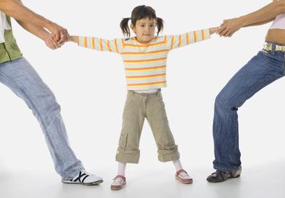 האבות יחלקו בטיפול בילדים. זה לא מה שרציתן?  (צילום: shutterstock) (צילום: shutterstock)
