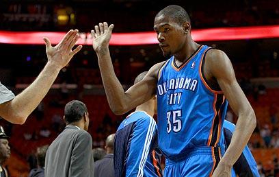 דוראנט. אחד הסופרסטארים הגדולים ב-NBA (צילום: רויטרס) (צילום: רויטרס)