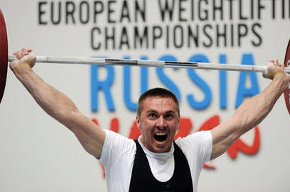 חוזר לעצמו לאט לאט. מושיק באליפות אירופה ברוסיה (צילום: AFP) (צילום: AFP)
