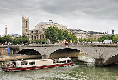 חסכונית מתמיד. פריז (צילום: Shutterstock) (צילום: Shutterstock)