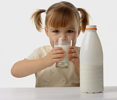 הילדה הזו עושה שטות?  (צילום: shutterstock) (צילום: shutterstock)