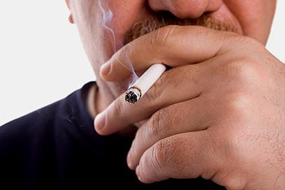 מעשן? הסיכון בהרדמה - סיבוך נשימתי (צילום: shutterstock) (צילום: shutterstock)