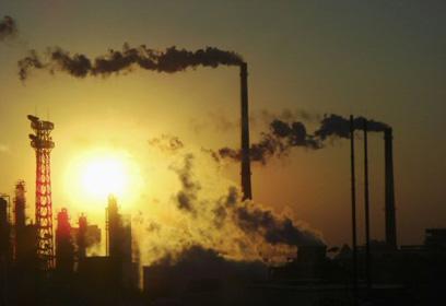 מפעלים מזהמים בסין (צילום: רויטרס) (צילום: רויטרס)