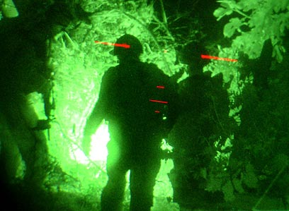 """חיילים בג'נין ב""""חומת מגן"""". 13 לוחמים נהרגו אחרי מארב (צילום: EPA) (צילום: EPA)"""