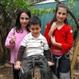 """מאיה, ליאור והדס.,הם יכולים לחיות כילדים נורמלים"""" צילום: קובי קואנקס"""