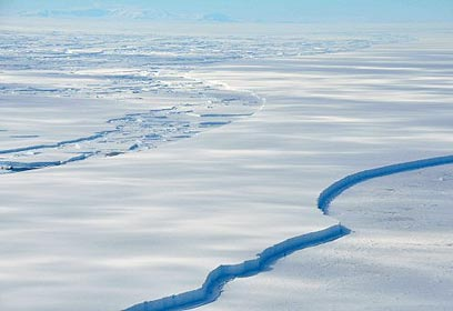 קרחונים נמסים באנטרטיקה (צילום: רויטרס) (צילום: רויטרס)
