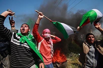Hamas forces on Nakba Day (Photo: Reuters)