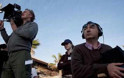פיטר קוסמינסקי. שערוריות כשגרת יום-יום (צילום: mentorn international) (צילום: mentorn international)