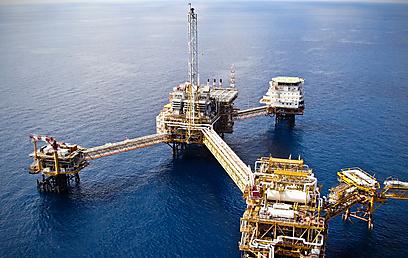 קידוח גז טבעי (צילום: Shuttestock) (צילום: Shuttestock)