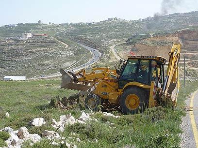 עבודות הפיתוח באתר החלופי, גבעת היקב (צילום: תמר אסרף) (צילום: תמר אסרף)