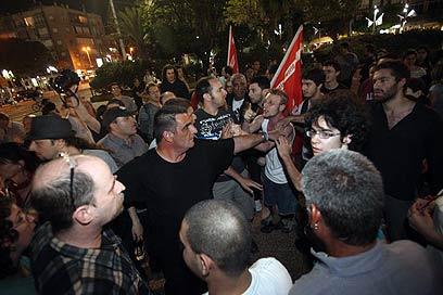 """הפעילים החברתיים התעמתו עם פעילי חד""""ש (צילום: מוטי קמחי) (צילום: מוטי קמחי)"""