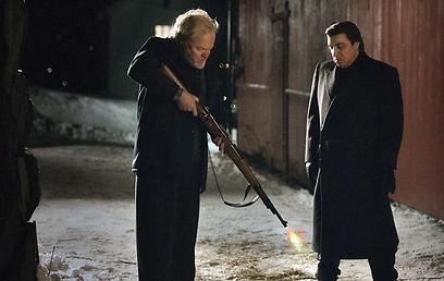 """מתוך """"לילהאמר"""". הגנגסטר חוזר מהכפור (צילום: Netflix) (צילום: Netflix)"""