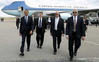 אובמה וצוות האבטחה שלו בשבוע שעבר בקולומביה (צילום: רויטרס) (צילום: רויטרס)