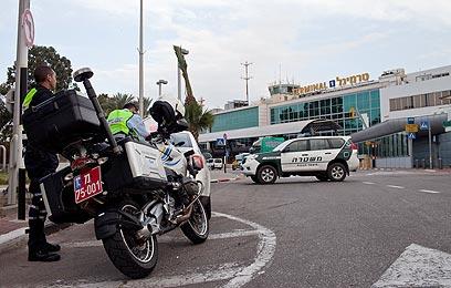 """היערכות משטרתית בנתב""""ג (צילום: אוהד צויגנברג) (צילום: אוהד צויגנברג)"""