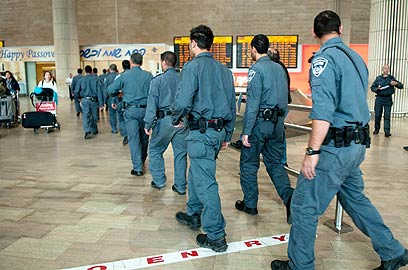 """כוננות מוגברת של שוטרי היס""""מ בנתב""""ג, הבוקר (צילום: ירון ברנר) (צילום: ירון ברנר)"""
