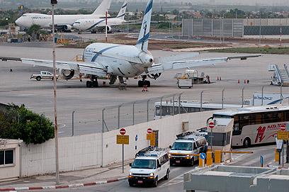 """מטוסים בנתב""""ג. """"מטרה אסטרטגית"""" (צילום: בן קלמר) (צילום: בן קלמר)"""