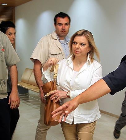 """נתניהו מגיעה לבית המשפט (צילום: גיל נחושתן, """"ידיעות אחרונות"""") (צילום: גיל נחושתן,"""