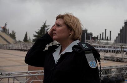 """ראש אכ""""א, אורנה ברביבאי, בזירת האסון (צילום: אוהד צויגנברג) (צילום: אוהד צויגנברג)"""