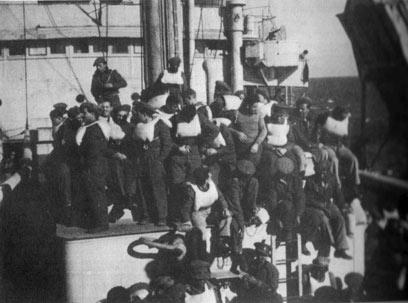 חיילי פלוגת התובלה בהפלגה ()