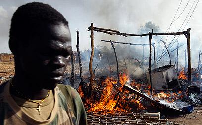 """שוק בעיר בניטו שבדרום סודן שהופצץ אשתקד ע""""י מטוסים סודניים (צילום: רויטרס)"""
