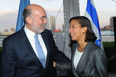 Israeli ambassador to the UN Ron Prosor with former US counterpart Susan Rice (Photo: Shahar Azran) (Photo: Shahar Azran)