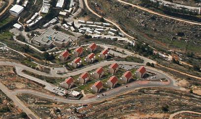גבעת האולפנה, בית אל (צילום: באדיבות Lowshot) (צילום: באדיבות Lowshot)