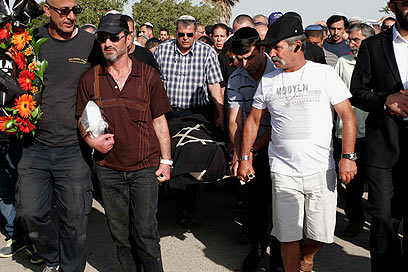 הלוויה, אחר הצהריים בבאר שבע (צילום: אליעד לוי) (צילום: אליעד לוי)