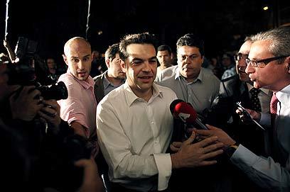 לבטל את ההסכמים עם אירופה. ציפראס מקואליציית מפלגות השמאל היוונית (צילום: AFP) (צילום: AFP)
