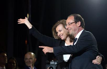 הזוג הראשון של צרפת. פרנסואה הולנד ו-ואלרי טרירוויילר (צילום: AFP) (צילום: AFP)