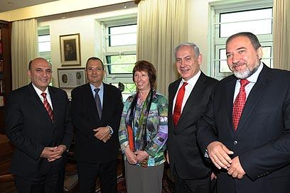 Mofaz (L), Barak, Ashton, Netanyahu, Lieberman (Photo: Amos Ben-Gershom, GPO)
