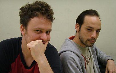טרטר (משמאל) וגיא שמי בימי הלהקה (צילום: ארז ארליכמן) (צילום: ארז ארליכמן)