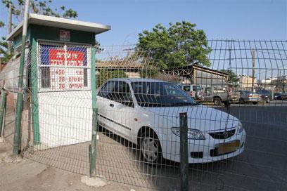 החניון בתל אביב שבו אירע האונס (צילום: עופר עמרם) (צילום: עופר עמרם)