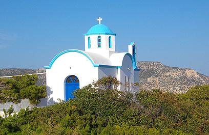 כנסייה יוונית אורתודוקסית טיפוסית על ראש ההר (צילום: יעל לינזן) (צילום: יעל לינזן)