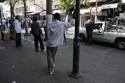 זרים בדרום תל אביב (ארכיון) (צילום: ירון ברנר)