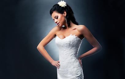 אם את משקיעה בשמלה ובאיפור, אל תשכחי להשקיע גם בתסרוקת מחמיאה (צילום: shutterstock) (צילום: shutterstock)