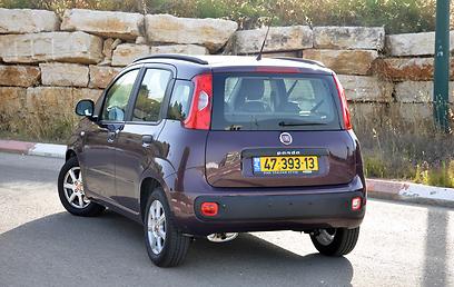 מחיר הפנדה מציב אותה מול מכוניות סופר-מיני טובות ממנה (צילום: רועי צוקרמן) (צילום: רועי צוקרמן)