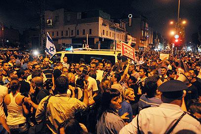 כמאה איש התעמתו עם שוטרים (צילום: ירון ברנר)
