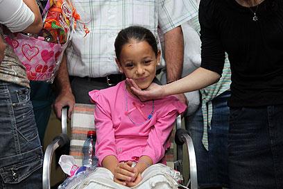רחל משתחררת מבית החולים (צילום: אבישג שאר-ישוב) (צילום: אבישג שאר-ישוב)