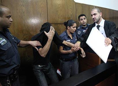 כתב אישום חריג בחומרתו. ג'אבר בבית המשפט, היום (צילום: מוטי קמחי) (צילום: מוטי קמחי)