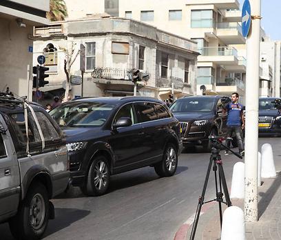 השיירה של מדונה בדרך למלון בתל אביב (צילום: מוטי קמחי) (צילום: מוטי קמחי)