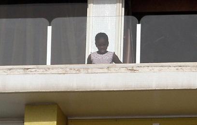 מרסי מתרשמת מהנוף (צילום: ג'קי יעקב) (צילום: ג'קי יעקב)