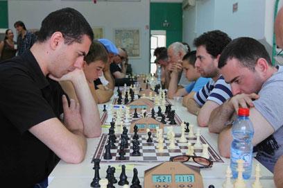 """שחקנים בליגת השחמט. """"גלפנד מוכיח את עצמו"""" (צילום: עידו ארז) (צילום: עידו ארז)"""