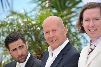 ווס אנדרסון, ברוס וויליס ושוורצמן דופקים פוזה בקאן (צילום: gettyimages) (צילום: gettyimages)