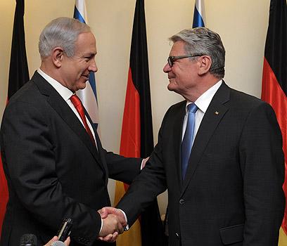 Netanyahu with Germany's president (Photo: GPO)
