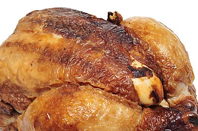 לראות אותו מסתובב ולאכול - עוף צלוי (צילום: shutterstock) (צילום: shutterstock)
